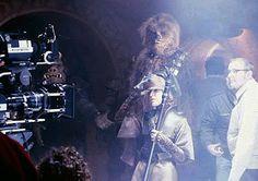 Behind the scenes of Return of the Jedi Star Wars Poster, Star Wars Art, The Force Star Wars, 1980s Films, Princesa Leia, Childhood Movies, The Phantom Menace, Custom Action Figures, Scene Photo
