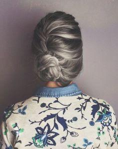 Grey/silver hair color can be so elegant! Grey Hair Dye, Hair Color Pink, Pink Hair, Hair Colors, Blonde Hair, White Hair, Rose Gold Hair Brunette, Ashy Hair, Blonde Streaks