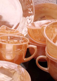 I'm collecting Anchor Hocking Fire King Peach Luster dishes. Shiny little peaches! Vintage Dishes, Vintage Glassware, Vintage Kitchen, Shades Of Peach, Peach Blush, Peach Trees, Peach Blossoms, Vintage Fire King, Sweet Peach