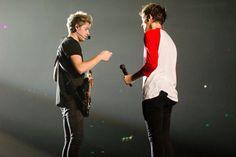 Niall Horan & Louis Tomlinson // Birmingham  • (10.11.15) - @Tati1D5