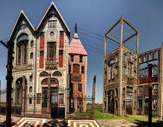 Buenos Aires es tan grande que nunca deja de sorprendernos, incluso a quienes vivimos aquí mismo. Y en este caso, son muy pocos los que conocen esta ciudadela medieval, con sus castillos, callejuelas empedradas, torres...