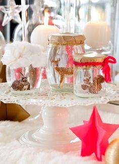 Des touches de fluo pour une table de Noël égayée - Pinterest : les 15 plus belles tables de Noël - CôtéMaison.fr