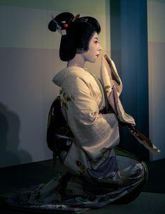 芸妓 geiko 涼香 ryouka 祇園東 KYOTO JAPAN