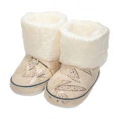 Va prezentam botoseii tip cizma fete (bebe) pentru toamna / iarna, calitate superioara, design fashion lucios, colectia 2019, culoare bej, marca Papulin, inchidere cu scai, ideali pentru diferite evenimente festive (botez, nunta, onomastica, etc). Acesti botosei fac parte din categoria incaltaminte copii, fiind confectionati conform celor mai inalte standarde calitative, fabricati in Turcia. Childrens Shoes, Slippers, Fashion, Moda, Fashion Styles, Slipper, Fashion Illustrations, Flip Flops, Sandal