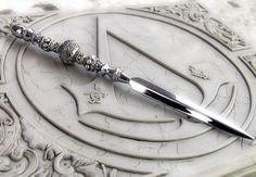 Silver Letter Opener, Gothic Home Decor, Antique Sword Dagger Swords And Daggers, Knives And Swords, Narnia, Gothic Home, Pretty Knives, Diy Accessoires, Throne Of Glass, Fantasy Weapons, The Mortal Instruments