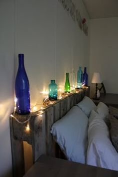 Pallet headboard- I am so making this my new headboard!!