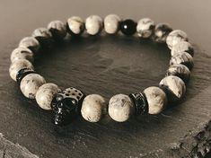 Skeletor - Szürke jáspis karkötő Skeletor - Grey maple stone beaded bracelet Beaded Bracelets, Stone, Grey, Jewelry, Gray, Rock, Jewlery, Bijoux, Pearl Bracelets