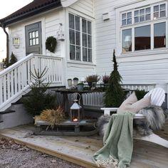 Deilig dag (Karishytteoghjem) Winter Balcony, Home Focus, Xmas, Christmas, Inspiration, Terrace, Paradise, Sweet Home, December