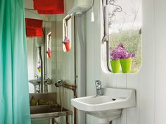 Retro Mobile Home Remodel Mobile and Manufactured Home Living Green Design, Eco Design, Small Space Living, Small Rooms, Small Spaces, Kids Rooms, Remodeling Mobile Homes, Home Remodeling, Modern Mobile Homes