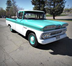 1960 Chevy Apache 10 Pickup Truck on GovLiquidation! This Classic Truck looks and runs great!