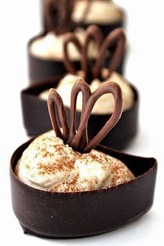 Easy Mini Tiramisu Cups: just mix a few ingredients & spoon into purchased chocolate cups
