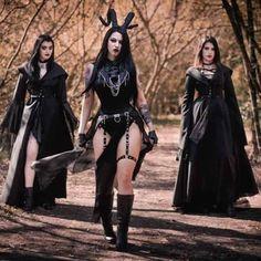 Hot Goth Girls, Punk Girls, Gothic Mode, Dark Gothic, Victorian Gothic, Goth Beauty, Dark Beauty, Dark Fashion, Gothic Fashion