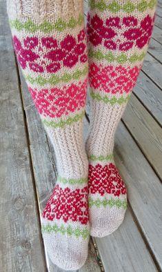 Vanuttunut Villasukka: Ohje: Joulutähti Knitting Wool, Socks, Projects To Try, Sock, Stockings, Ankle Socks, Hosiery
