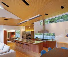 Ross Residence by Griffin Enright Architects