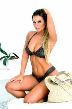Carolina Guarnieri posou para a grife Pacífica Beachwear(Imagem:Wagner Carvalho / Divulgação)