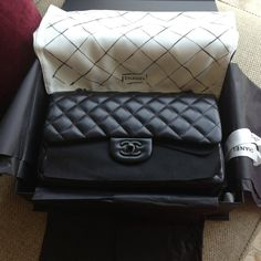 Chanel So Black is coming back <3