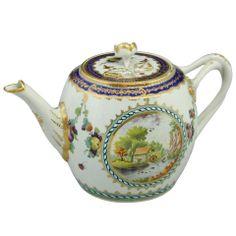 Fine First Period Worcester teapot.