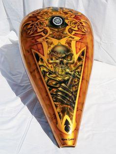 Skull tank art