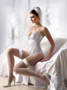 #Lingerie #HoneyMoon #Inspiration #Beauty #Sexy #Bride #Lenceria #Lunademiel #Bella #Sexy #Novia #Blanco