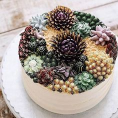 The latest cake trend is naturally beautiful and so delicious.