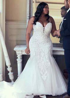 Plus Size Wedding Gowns, Dream Wedding Dresses, Designer Wedding Dresses, Bridal Dresses, Pina Tornai Wedding Dresses, Wedding Dresses For Curvy Women, Plus Size Brides, Maggie Sottero Wedding Dresses, Curvy Bride