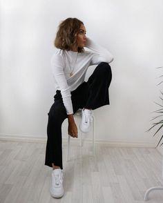 @lissyroddyy is just fabulous #ydentitymag #womensfashion
