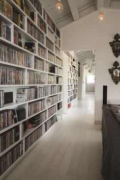 Super home library wall bookshelves ideas Home Library Rooms, Library Wall, Home Libraries, Library Books, Dream Library, Style At Home, Casa Milano, Design Moderne, House Goals