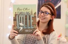 Lucie vous propose des chroniques vidéo consacrées à la littérature jeunesse ! Elle vous raconte aujourd'hui l'histoire d'Elliot, un adorable petit éléphant qui a du mal à se faire une place dans l'immensité de la ville où il habite.