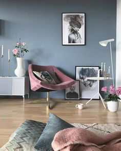 Top designers share their favored tones for creating bold and unexpected living-room color combinations that accept intense shades and unique combinations. Room Wall Colors, Living Room Colors, My Living Room, Living Room Furniture, Living Room Designs, Living Room Decor, Modern Furniture, Cozy Living, Wall Colours