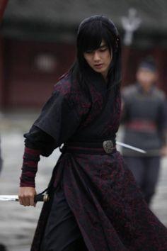 Ancient Korean Clothing for Men Korean Traditional, Traditional Dresses, Asian Boys, Asian Men, Asian Actors, Korean Actors, Yoo Seung Ho, Kim Hyun, Korean Star