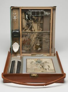 Philadelphia Museum of Art - Collections Object : Box in a Valise (Boîte-en-Valise)
