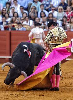 Enrique Ponce en la Feria de San Miguel de Sevilla. #LaMaestranza #torero