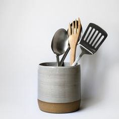Buy Unique Home Goods & Decor Online Ceramic Utensil Holder, Kitchen Utensil Holder, Kitchen Utensils, Kitchen Interior, New Kitchen, Kitchen Ideas, How To Wash Vegetables, Cheap Kitchen Cabinets, Kitchenware