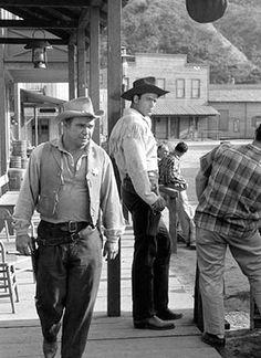 Clint Walker as big Cheyenne Bodie. Cheyenne Bodie, James Drury, Clint Walker, Tv Westerns, Western Movies, Western Art, Famous Faces, Poster Prints, Old Things