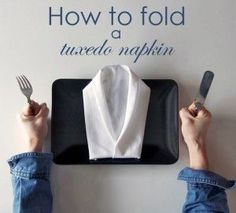 Looking for a New Year's Eve or Christmas napkin folding idea? How to fold a napkin like a tuxedo jacket. A complete step-by-step tutorial with photos. Easy Napkin Folding, Christmas Napkin Folding, Christmas Napkins, Folding Napkins, How To Fold Napkins, Christmas Tables, Christmas Tree, New Years Dinner Party, Holiday Dinner