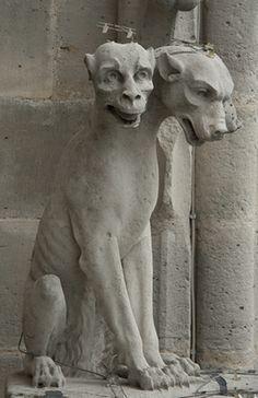 Decorative Chimera Gargoyle Notre Dame, Paris  Le Chien tricéphale ( 3 têtes )