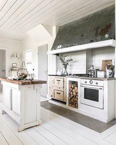 Kitchen Dinning, Kitchen Pantry, Rustic Kitchen, Beautiful Kitchen Designs, Beautiful Kitchens, Küchen Design, Interior Design, Small Apartment Kitchen, Room Of One's Own
