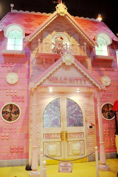 Hello Kitty House hello kitty's house in sanrio puroland | tokyo adventure