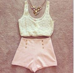 Vintage summer look with high waisted shorts and a crop top. Cute Summer Outfits, Pretty Outfits, Spring Outfits, Cute Outfits, Summer Clothes, Outfit Summer, Look Fashion, Teen Fashion, Womens Fashion