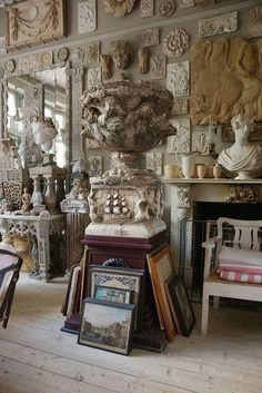 Cabana Magazine London Campbell-Rey - Healty fitness home cleaning Architectural Salvage, Architectural Elements, Cabana Magazine, Residential Architecture, Home Decor Furniture, Aesthetic Art, Art Studios, Architecture Details, Decoration