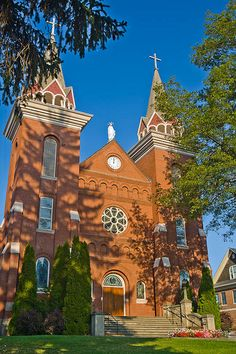 Boniface Church, located on St. Boniface Street, in Uniontown is the first consecrated Catholic Church in the state of Washington. American Catholic, Place Of Worship, Catholic Churches, Washington State, Barcelona Cathedral, Architecture, House Styles, Building, Places