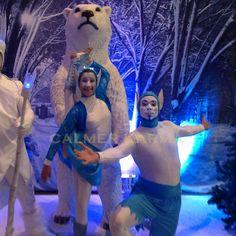 Winter Wonderland acrobatic elfs  to hire  http://www.calmerkarma.org.uk/winter-wonderland.htm    Perfect for corporate Christmas parties.   Hire across the UK inc MANCHESTER, LONDON, Cheshire, BIRMINGHAM, CARDIFF, Bristol