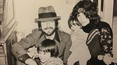 leonard cohen, son adam cohen, daughter lorca cohen, girlfriend suzanne elrod, 1970s, children, family