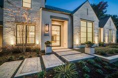 Home exterior architecture - interior design ideas - luxury real estate Modern Farmhouse Exterior, Modern Farmhouse Style, Farmhouse Decor, Farmhouse Ideas, House Goals, Modern House Design, Exterior Design, Cafe Exterior, Ranch Exterior