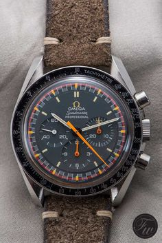 On this Speedy Tuesday we talk about the vintage Omega Speedmaster Racing with grey dial and orange logo. Armani Watches For Men, Vintage Watches For Men, Luxury Watches For Men, Omega Speedmaster Racing, Casual Watches, Black Watches, Gold Watches, Fossil Watches, Breitling Watches