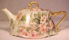 Limoges Teapot -I would die to have this! Just gorgeous!!