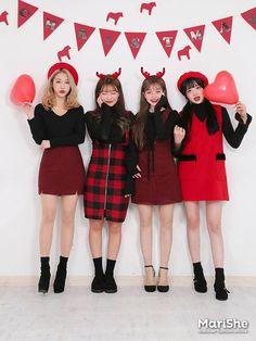 Korean Street Fashion, Korea Fashion, 80s Fashion, Cute Fashion, Asian Fashion, Girl Fashion, Fashion Outfits, Fashion Group, Womens Fashion