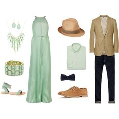 Need outfit inspiration for your engagement session? Look no further!