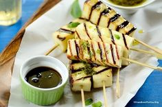 Grilled cheese sticks, a quick yet healthy snack/ starter that can be served w/ honey, molasses, or chimichurri. Plus, the best grilling cheese list. Cheese List, Best Cheese, Skewer Recipes, Snack Recipes, Party Recipes, Breakfast Recipes, Grilled Cheese Sticks, Grilling Recipes, Cooking Recipes