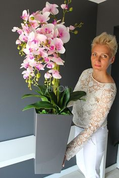 Orchid Flower Arrangements, Orchid Centerpieces, Beautiful Flower Arrangements, Luxury Flowers, Exotic Flowers, Beautiful Flowers, Orchids Garden, Orchid Plants, Nylon Flowers